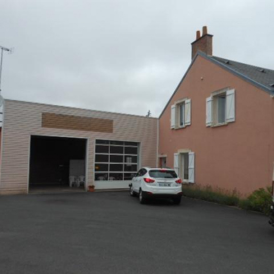 Immeuble CHATEAUROUX (36000) 408.00m2 371 000 €