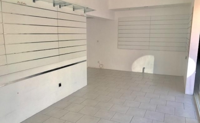 Local / Bureau  LE GRAU-DU-ROI (30240) 46 m2 180 000 €
