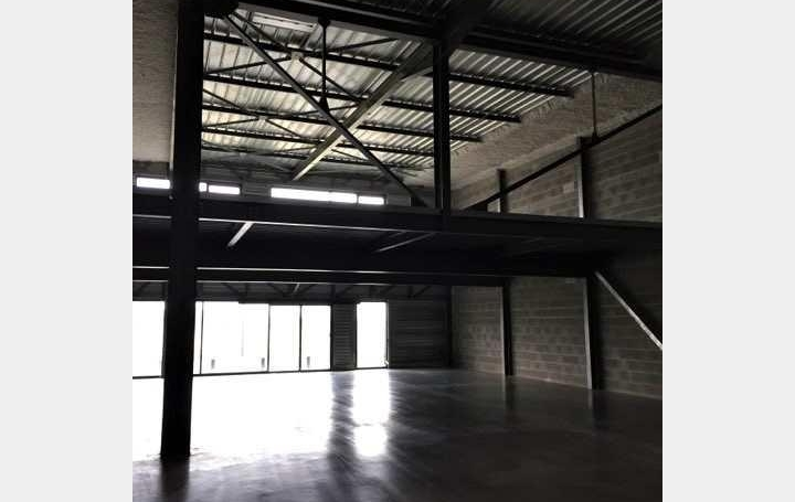 Local commercial ROSIERES-PRES-TROYES (10430)  450 m2 2 500 €